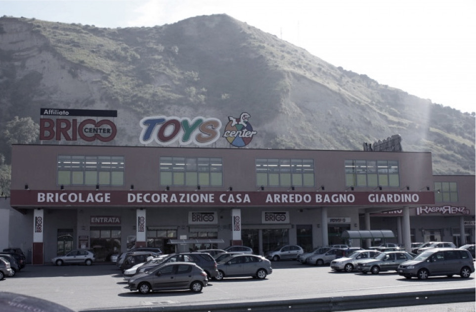Struttura commerciale Toys Center Zumpano CS